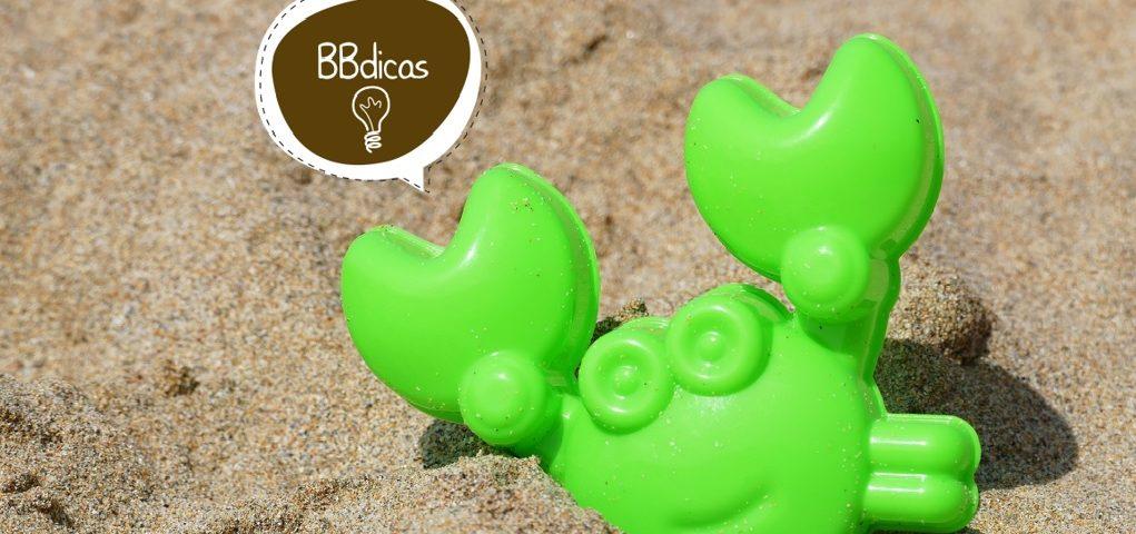 Oportunizar aos bebê o contato com a areia garante muito desenvolvimento e aprendizagem!